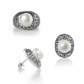 Earings and ring with freshwater pearls