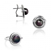 Eearings and ring with black pearls