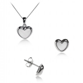 Set with white a heart-shaped mother of pearl