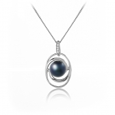Necklace with freshwater black pearl