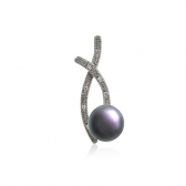 Wave pendant with black pearl