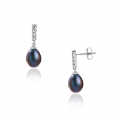 Earrings with drop pearls