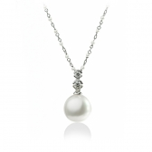 Gold necklace with white pearls and diamonds