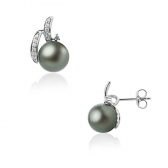Gold earrings with Tahitian pearl and diamonds