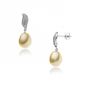 Gold earrings with South sea pearl