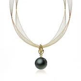 Gold necklace with Tahitian pearl