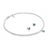 White gold set with freshwater pearls and opal