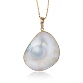 Mabe Pearl gold pendant
