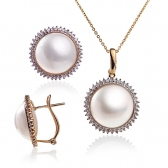 Mabe pearl gold set with diamonds