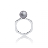 Romance ring with gray pearl