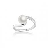 Allegra ring with white pearl