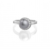 Silver ring with gray pearl