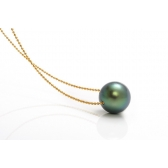Gold necklace with Tahiti pearl