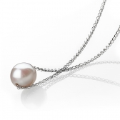 Necklace with a lavender freshwater pearl