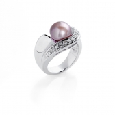 Ring with lavender pearl and zirconium