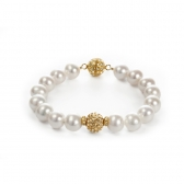 Bracelet with cultured pearls