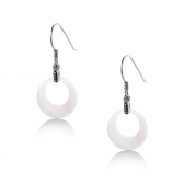 Earrings with white mother of pearl