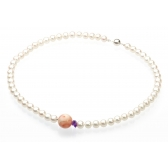Necklace with pearls and coral