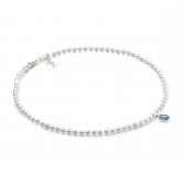 Classic necklace with opal and white gold clasp