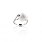 Golden Ring Veneto with white pearl and diamonds