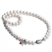 Freshwater pearl necklace with LOVE pendant