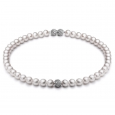 Freshwater pearl necklace with silver insertions