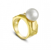 Gold-plated silver ring Avant-Garde with white pearl