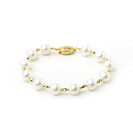 Bracelet with white pearls