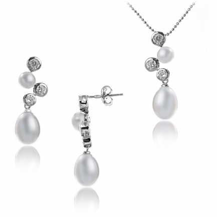 Silver set with white cultured pearls