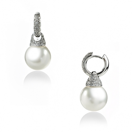 Gold earrings with Sea pearl and diamonds