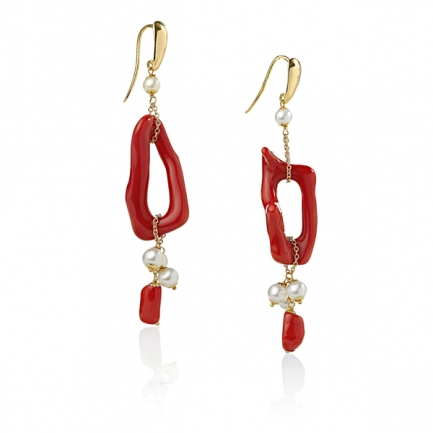 Gold earrings with pearl and coral