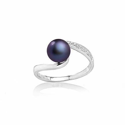 Allegra ring with black pearl