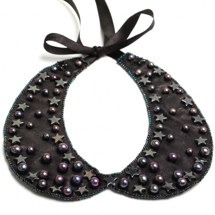 Terra leather collar with hematite and pearls