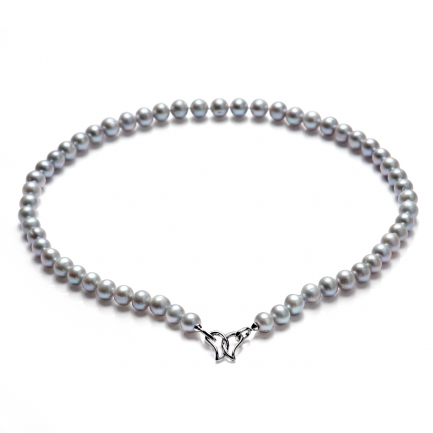 Necklace with grey freshwater pearls